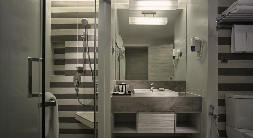 Sunway Putra Hotel Reviews, Room Price & Info