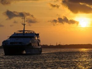 the bali sunset dinner cruise that you can join during your bali holiday
