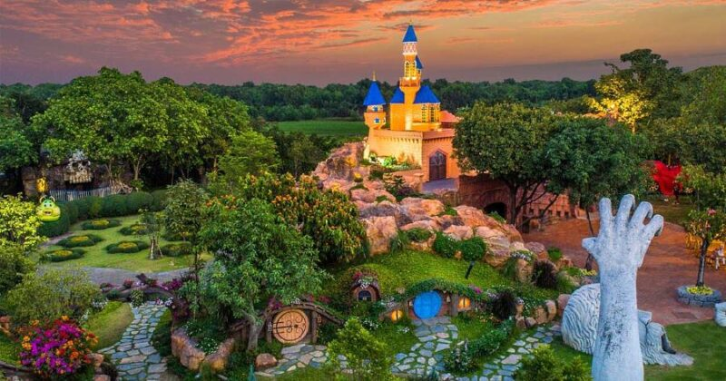 the dream world bangkok ticket lets you access and see the mesmerizing town of this theme park