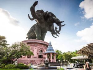 the famous double head elephant in bangkok