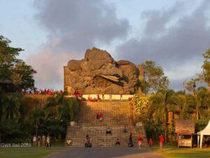 the massive garuda wishnu statue in bali