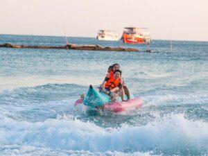 playing banana boat at koh larn pattaya