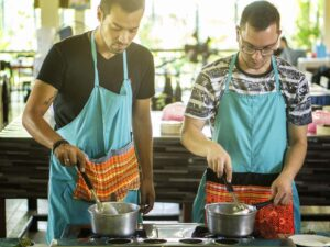 participants in the mama noi cooking class in chiang mai