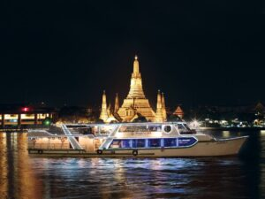 the view of the temple that you can experience during your shang ri la cruise bangkok