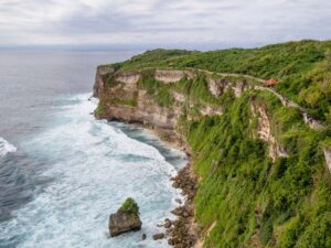 the uluwatu perch in bali