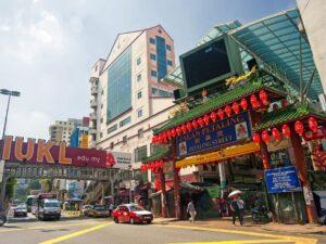 chinatown petaling street in kuala lumpur
