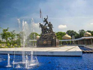 national monument kuala lumpur or tugu negara malaysia