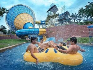 a famosa resort water park ticket lets you ride on lazy river