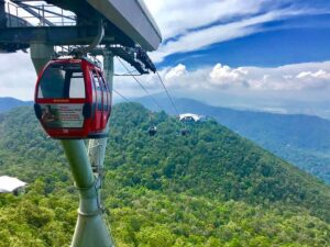 langkawi cable car arriving on its station