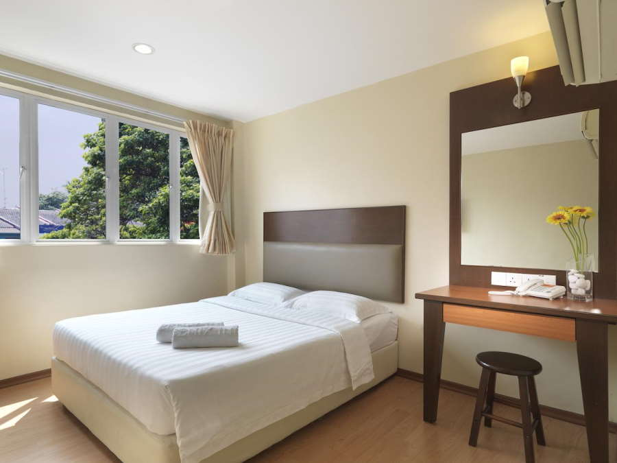 the fenix inn is one of the best budget hotel in the middle of melaka city