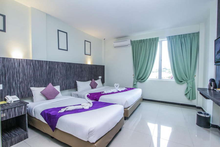 the salsa resort offers huge room but at cheap price in cenang