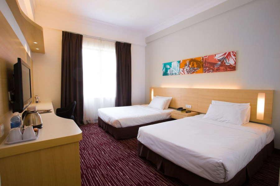 clean simple room in prescott medan tuanku hotel